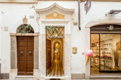 The Inn at the Spanish Steps-Small Luxury Hotels photo 165