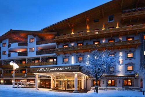 . JUFA Alpenhotel Saalbach