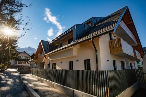 Vila Mojca Apartma Eva-Neža, Kranjska Gora (center)