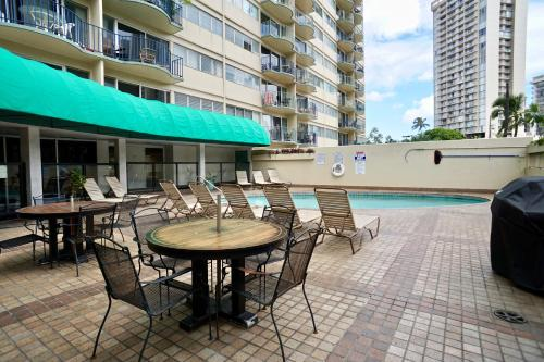 Royal Aloha 2-bedroom Waikiki Vacation Rental Unit - Honolulu, HI 96815