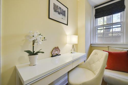 Comfortable First-floor Princeton Condo, Mercer