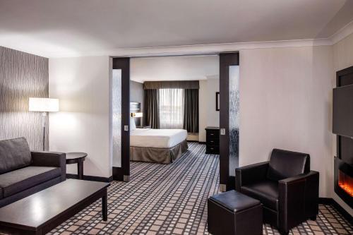Clarion Hotel & Suites - Winnipeg, MB R3G 3P4