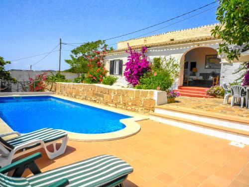 Fornells Villa Sleeps 8 Pool Wifi