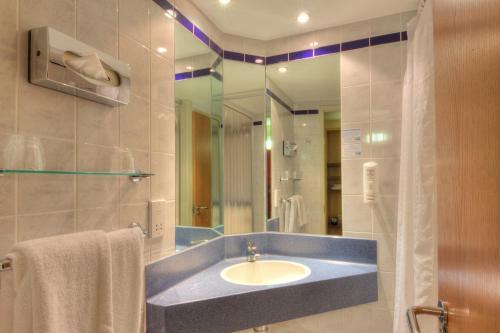 Holiday Inn Express London Limehouse, an IHG Hotel - Photo 5 of 29