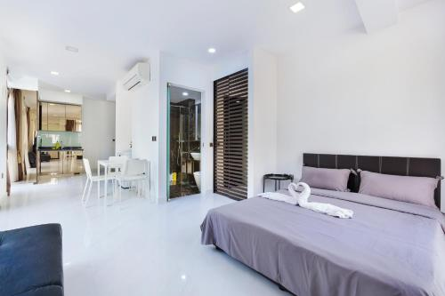 Studio Apartment At Orchard Road Shopping Area Entire apartment (Singapore)  - Deals, Photos & Reviews