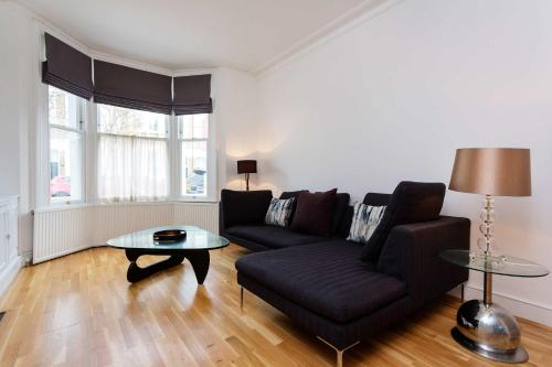 Veeve - Palatial in Parsons Green a London