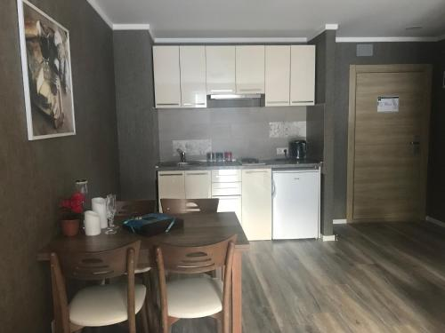 A Modern Suite Close to Gondola Ski Lift - Apartment - Bakuriani