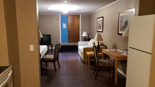 ALPINE COMFORT - FREE BKFST 5 Min to Golf & Ski - Apartment - Kimberley