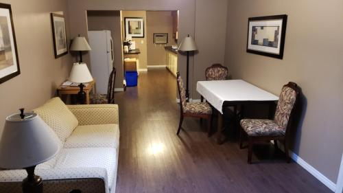 ALPINE COMFORT - FREE BKFST 5 Min to Golf & Ski - Hotel - Kimberley