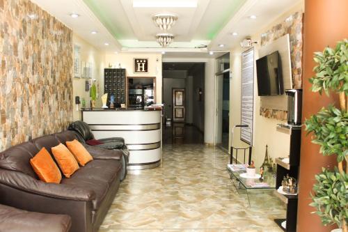 . Hotel B&V