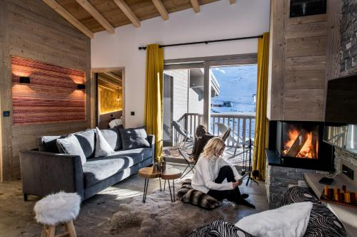 Three-Bedroom Apartment with Fireplace