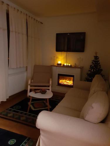 Fairytale apartment close to Bradu Ski Slope - Apartment - Poiana Brasov