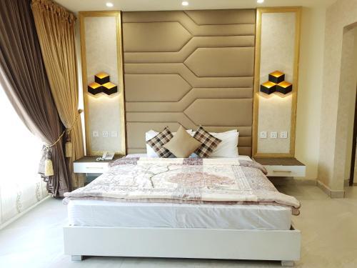 . Hotel Avalon Suites
