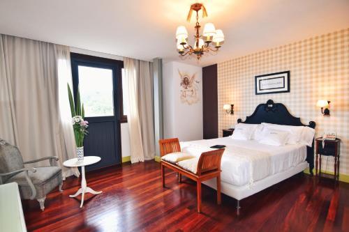 Habitación Doble Superior con terraza Hotel Quinta de San Amaro 11