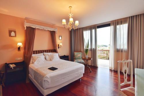 Habitación Doble Superior con terraza Hotel Quinta de San Amaro 9