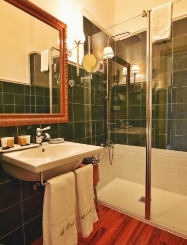 Superior Double Room with Terrace - single occupancy Hotel Quinta de San Amaro 5