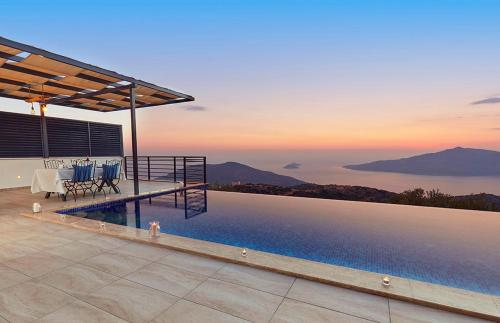 Kalkan Kalkan Villa Sleeps 4 Pool Air Con WiFi online rezervasyon