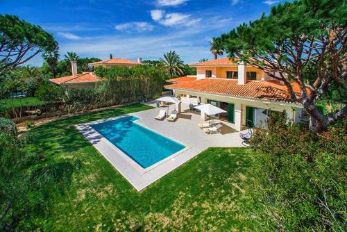 Almancil Villa Sleeps 6 Pool Air Con Wifi T607846