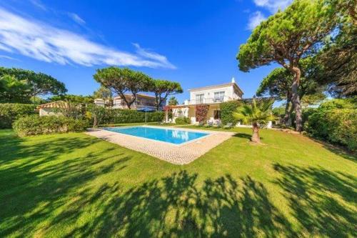 Almancil Villa Sleeps 6 Pool Air Con Wifi T480140