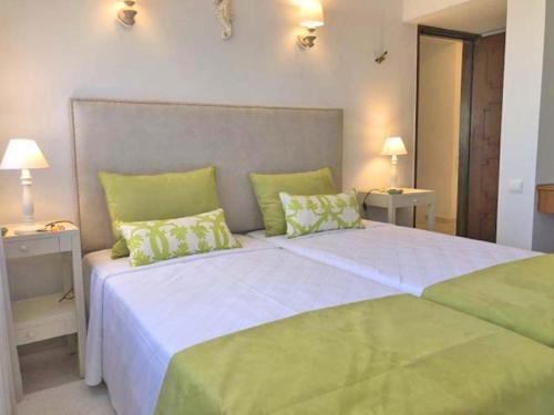 Vale Do Lobo Villa Sleeps 6 Air Con Wifi T689257 - Photo 8 of 9