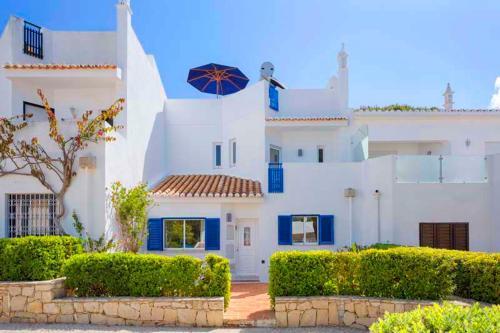 Vale Do Lobo Villa Sleeps 6 Air Con Wifi T635823