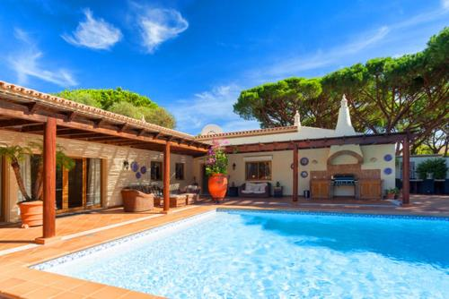Vale Do Lobo Villa Sleeps 5 Pool Air Con Wifi