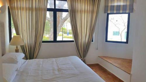 Vale Do Lobo Villa Sleeps 6 Air Con Wifi T607859 - Photo 3 of 16