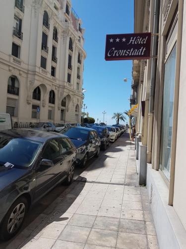 Hotel Cronstadt - Hôtel - Nice