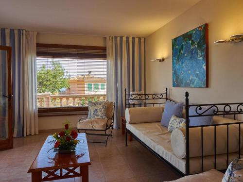 Deluxe Suite with Sea View Hotel Petit Cala Fornells 6