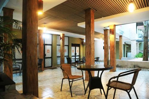 Hotel Iwawe Hotel