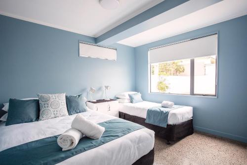 Capri on Pilot Bay - Apartment - Mount Maunganui
