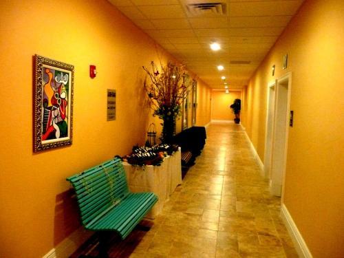 The Wilshire Grand Hotel - West Orange, NJ 07052
