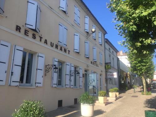 . Hôtel Restaurant La Boule d'Or