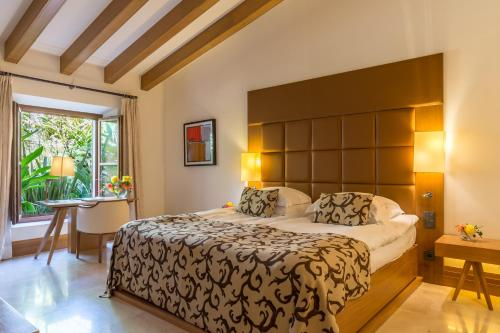 Suite Junior Jardín Castell Son Claret - The Leading Hotels of the World 3