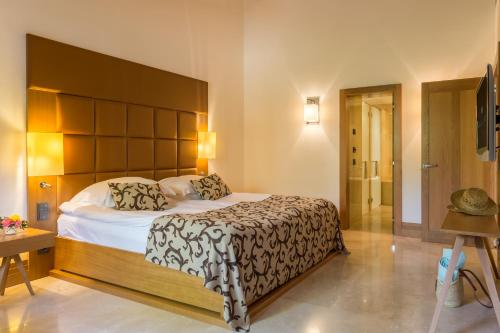 Suite Junior Jardín Castell Son Claret - The Leading Hotels of the World 5