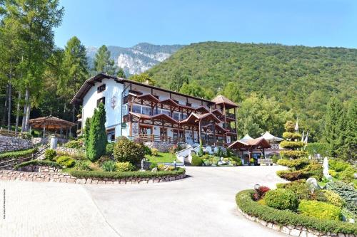 Accommodation in Sporminore