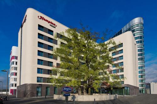 Hampton By Hilton Frankfurt Airport - Hotel - Frankfurt/Main