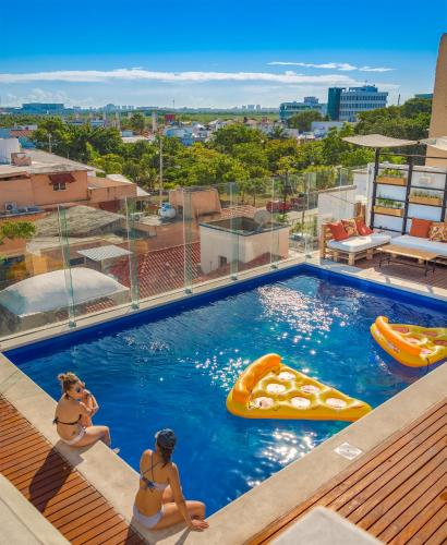 Фото отеля Nomads Hotel Hostel & Rooftop Pool