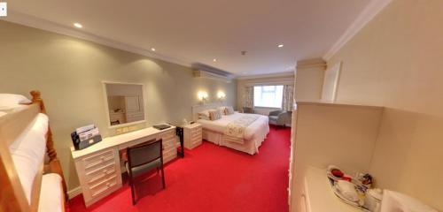 Consort Hotel - Photo 2 of 32