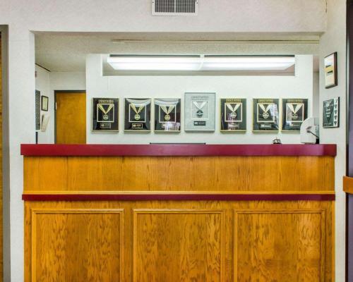 Econo Lodge Mifflintown - Mifflintown, PA 17059