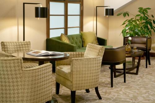Moscow Marriott Royal Aurora Hotel - image 10