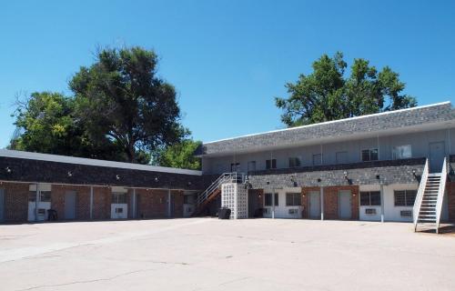 The Oakwood Inn - Sterling, CO 80751