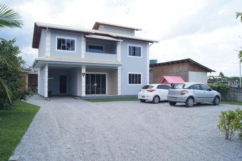 . Apartamentos entre a Pinheira e Guarda do Embaú
