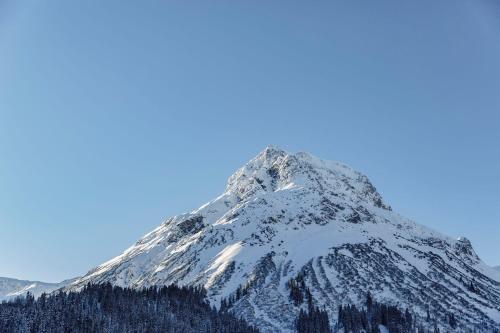 287 Omesberg, 6764 Lech am Arlberg, Austria.