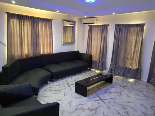 . CG Apartments Metro