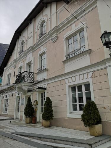 Bovec Central Historical Apartment