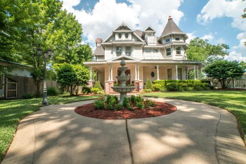The Victoria Bed & Breakfast Bentonville (AR) United States