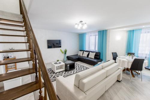 . 2-Level Penthouse Riverview