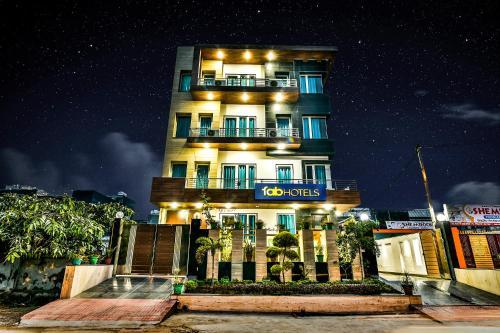 . FabHotel Merriment Noida