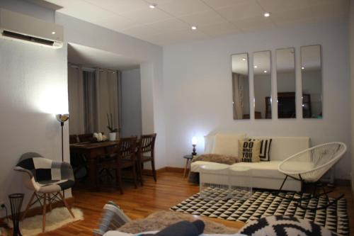 Charming Apartment Near Sagrada Familia impression